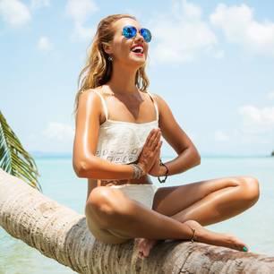 Sommergewinnspiel 2019: Frau am Strand