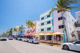 Reiseziele für Mädelstrips: Buntes Hotel in Miami