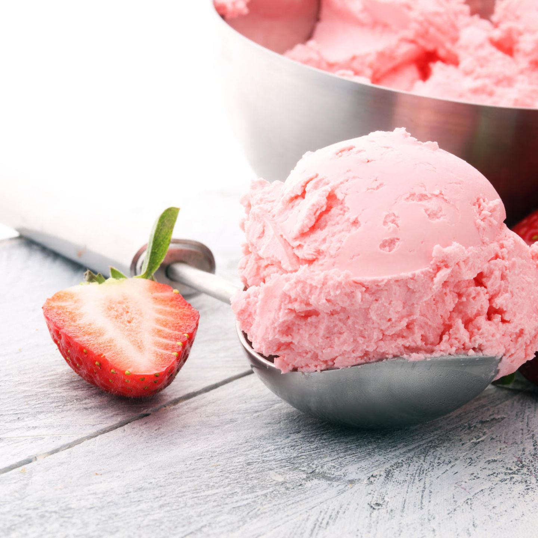 Der reinste Sommergenuss: Drei Rezepte für gesundes Eis in weniger als 5 Minuten
