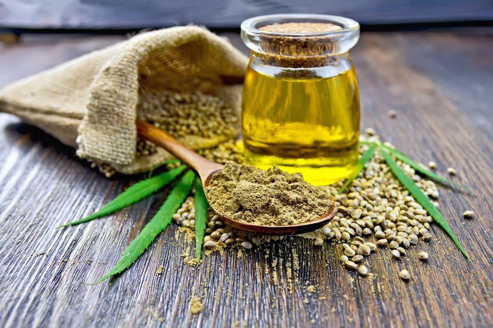 Wirkung von Leinöl: Leinöl in Krug