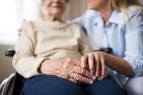 Sterbehospiz: Frau Bollweg wartet auf den Tod
