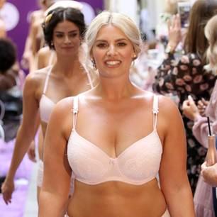 Curvy-Model Angelina Kirsch: Wie sie trotz Body-Shaming in Unterwäsche über den Laufsteg läuft