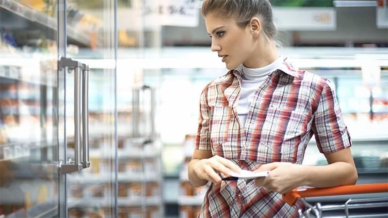 Eklig: Was diese Frau im Supermarkt anstellt widert alle an