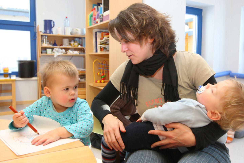 Berlin: Tagesmütter fürchten um ihre Existenz