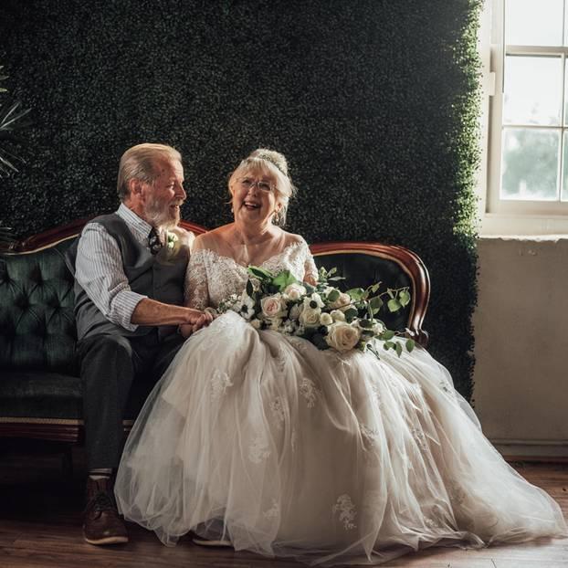George und Virginia Brown: Ihre Fotos zum 60. Hochzeitstag zeigen, dass Liebe ein Leben lang halten kann