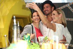 Ulrike Frank, Benjamin Piwko und Isabel Edvardsson machten fleißig Erinnerungs-Selfies.