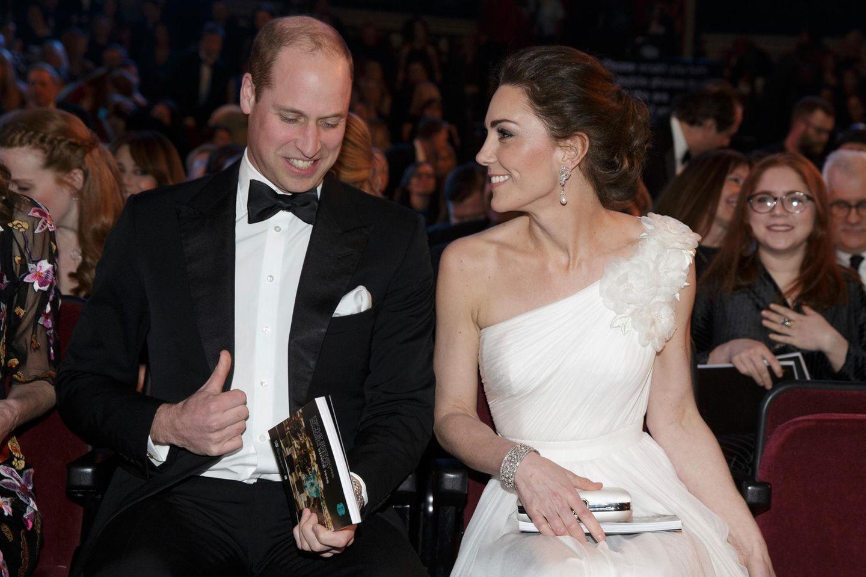 Kate Middleton: Kate und William in Abendkleidung bei einer Gala