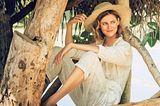 Romantische Sommer-Looks: Frau in weißem Overall