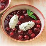 Kirschgrütze mit Holunder-Joghurt