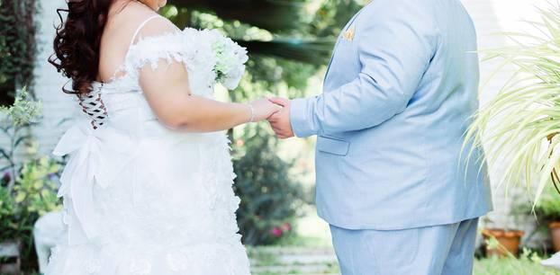 Schlanke werden dick: Übergewichtiges Paar heiratet
