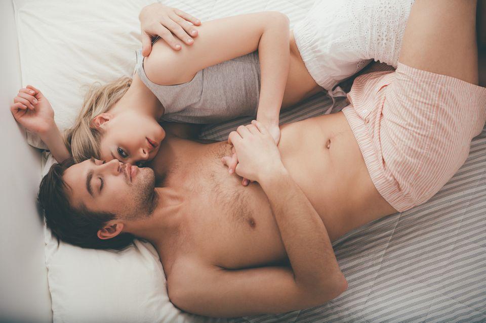 Betrug: Pärchen im Bett