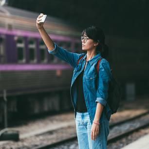 Selfies im Gleis können tödlich enden - jetzt warnt die Polizei