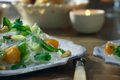 Glasnudelsalat mit Gurke und Melone