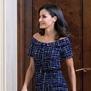 Royals, die günstige Kleidung tragen: Letizia von Spanien im Zarakleid