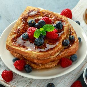 French Toast mit Beeren