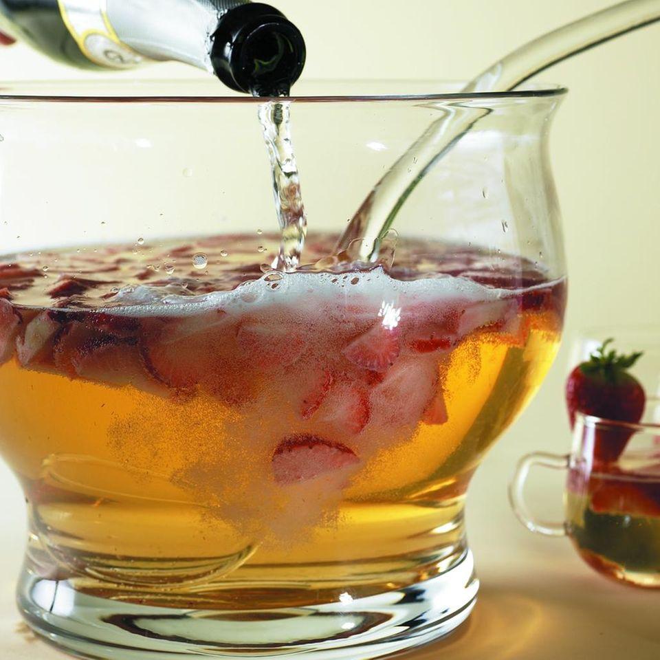 Klassische Erdbeerbowle
