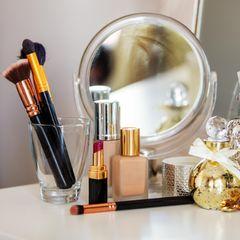 Make-up im Bad