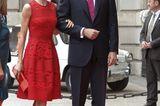 Bereits 2017 posierte das Oberhaupt des spanischen Königshauses in dem roten Kleid für die Kameras.
