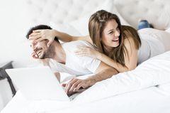 Nee, oder?! DAFÜR würden laut Umfrage die meisten Paare auf Sex verzichten