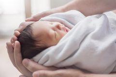 Geburtsberichte: Frauen erzählen, wie sie die Geburt wirklich erlebt haben