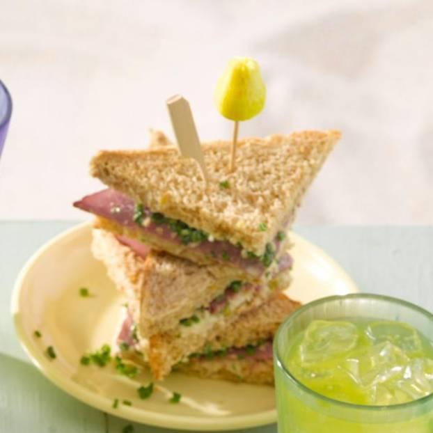 Sandwich-Ecken mit Selleriesalat und Pastrami