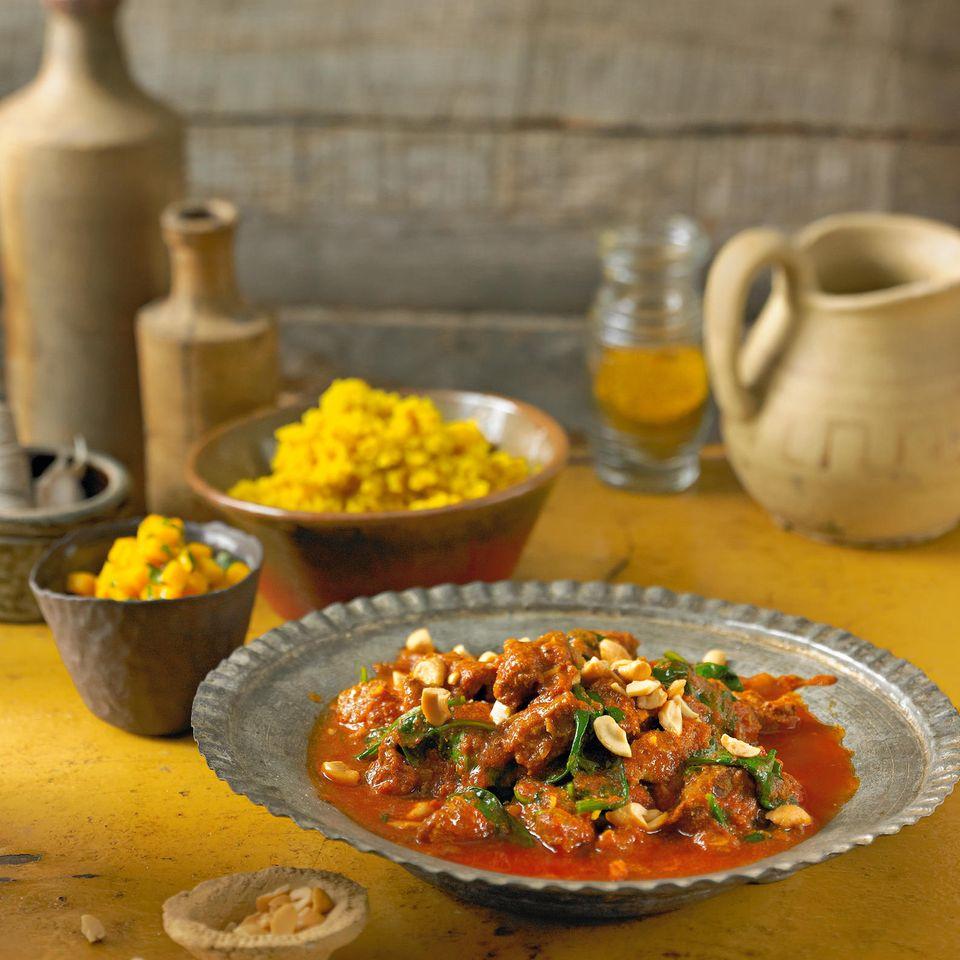 Lamm-Curry mit Gewürzhirse und Mangosalat