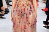 Herbstmode 2019: Kleid mit floralem Audruck