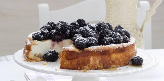 Obstkuchen: Brombeer-Käsekuchen
