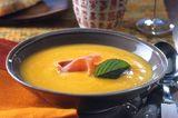 Kürbis-Melonen-Suppe mit Jasmintee