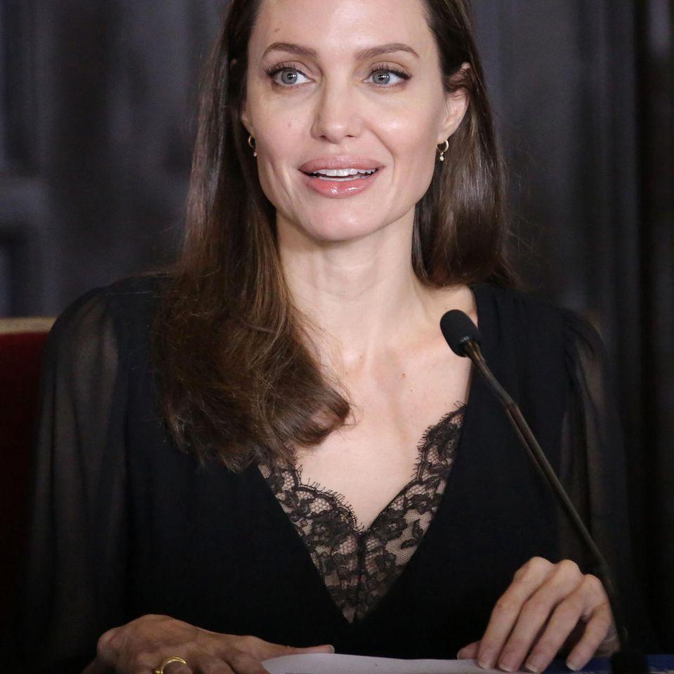 """Angelina Jolie: """"Früher wäre ich als Hexe verbrannt worden!"""""""