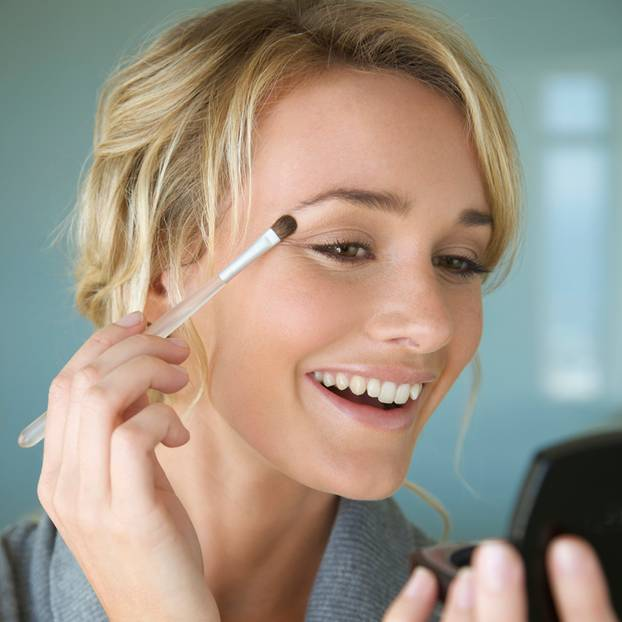 Micro-Concealing: Die Ganz-wenig-Make-Up-Methode