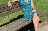 Ich liebe dieses Kleid! Ich finde es schön, es bringt die Farbe meiner Augen zur Geltung, macht eine gute Figur und ist unglaublich bequem. Außerdem war es ein Geschenk: Meine Kollegin Katrin hat es mir vermacht, weil sie es nicht mehr haben wollte. Danke, Katrin!  Susanne, Redakteurin