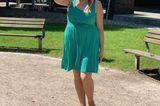 Ich liebe Sommerkleider und ich liebe die Farbe Grün – kein Wunder also, dass mich dieses schöne und luftige Kleid in diesem Sommer überall hin begleitet. Ein echter Hingucker ist die tolle Spitze am Rücken – die zusätzlich auch noch mega angesagt ist.I love it!  Steffi, Redakteurin