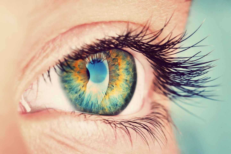 Herpes am Auge: Auge in Nahaufnahme