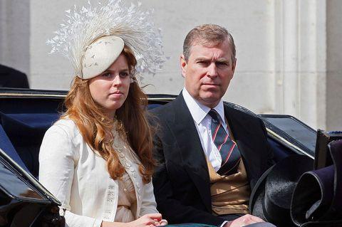 Prinz Andrew gratuliert der falschen Tochter