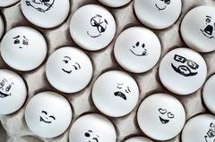 Charaktertypen: Diese 16 Typen gibt es: Smileys mit unterschiedlichen Gesichtern