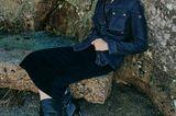 Jeans 2019: Die angesagtesten Denim-Looks: Lange Jeansjacke und dunkler Bleistiftrock