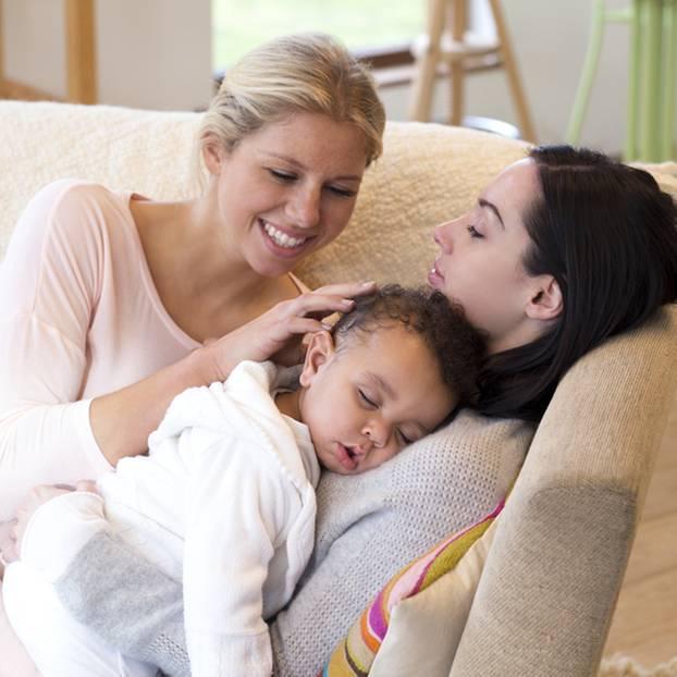 Studie deckt auf: So geht es Kindern von lesbischen Paaren wirklich