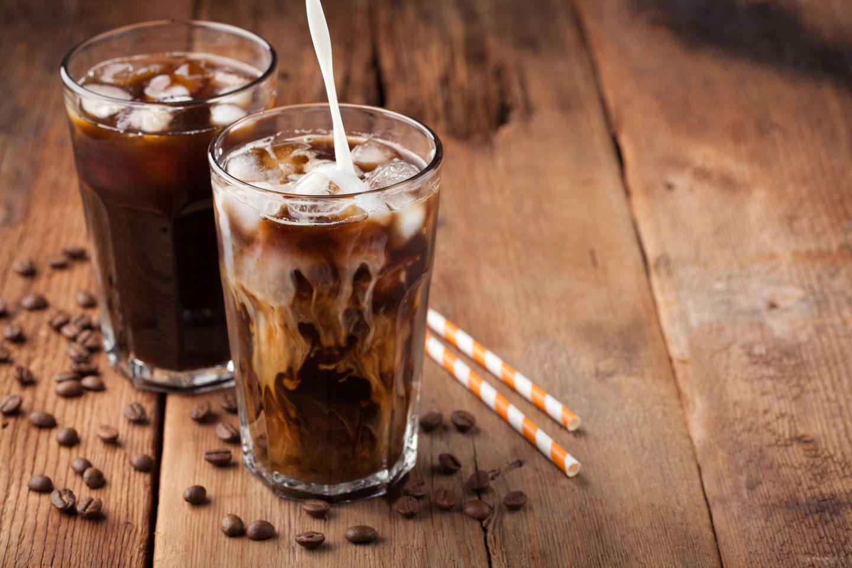 Zwei Gläser Eiskaffee