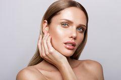 Beautytrends 2020: Frau mit natürlichem Make-up
