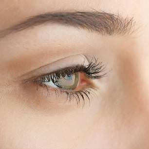 Wimpernserum Risiken: Gefahren und Nebenwirkungen: Getuschte Wimpern