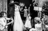 Hochzeitsfoto: Brautpaar wird empfangen