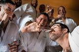 Hochzeitsfoto: Männer trinken