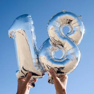 Sprüche zum 18. Geburtstag: aufgeblasene 18