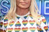 Donatella Versace mit Herzchen T-shirt