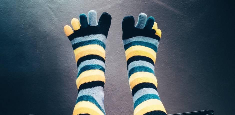 Was es über dich aussagt, wenn du verrückte Socken trägst
