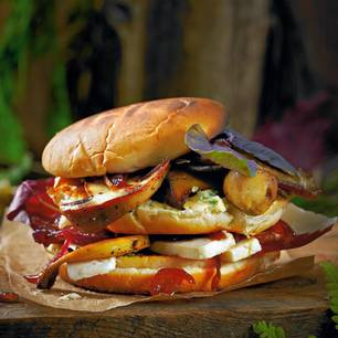 Pilz-Burger mit karamellisierten Zwiebeln