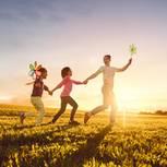 Horoskop: Eine Frau mit zwei Kindern
