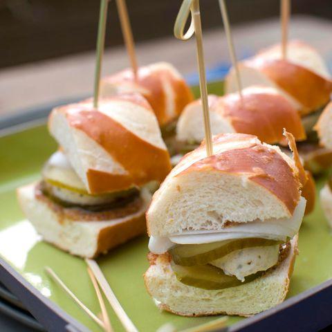 Kleine Weißwurst-Burger