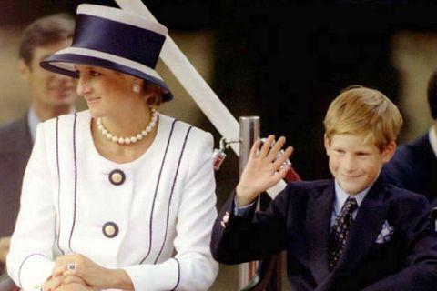 Prinzessin Diana soll in Harry einen König gesehen haben